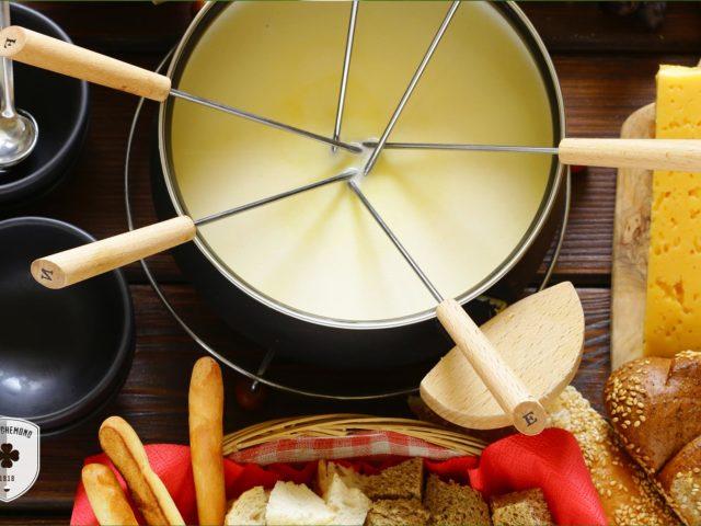http://www.fcrichemond.ch/wp-content/uploads/2019/10/richemond-fondue-1-640x480.jpg